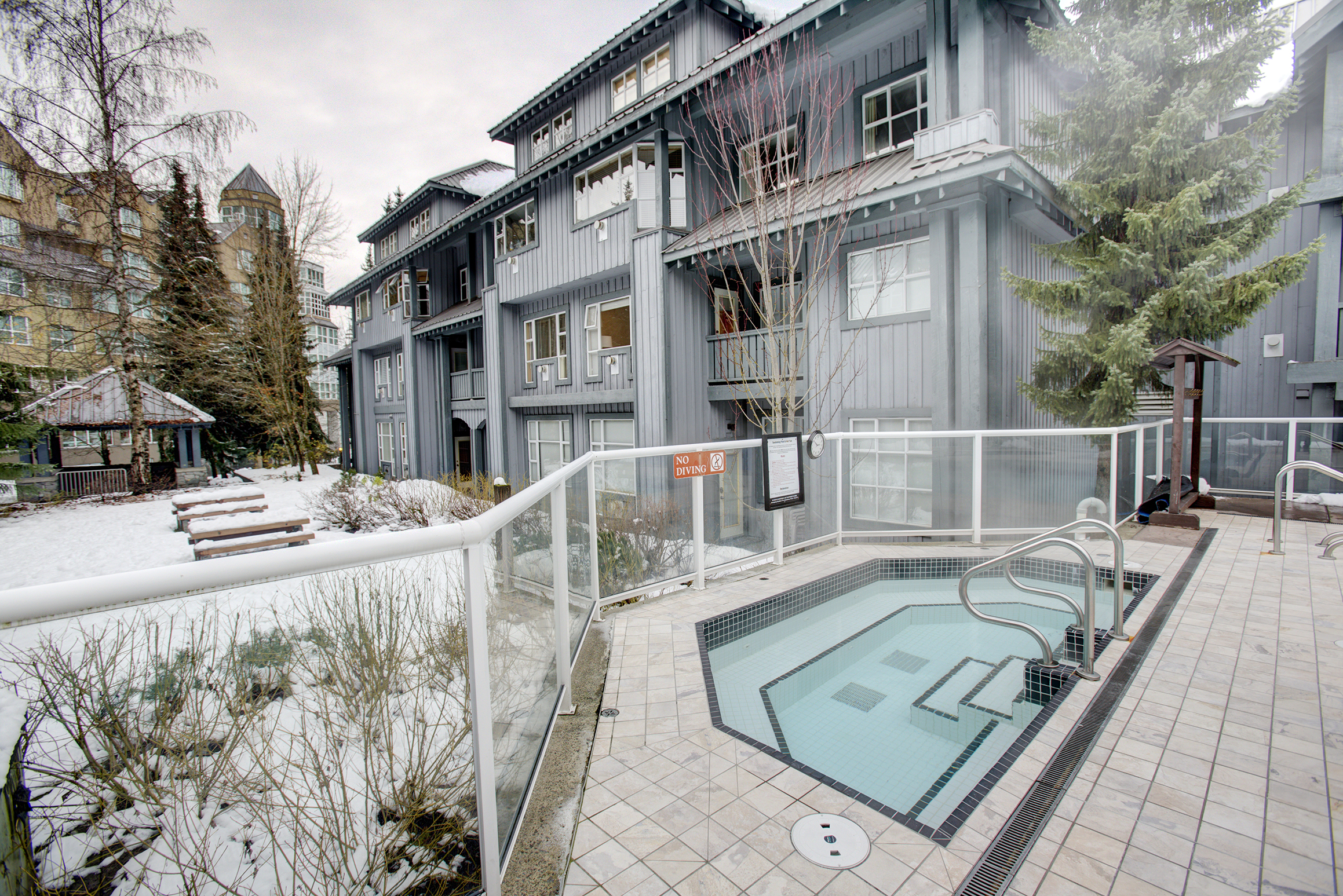 new listing at glacier lodge in whistler upper village